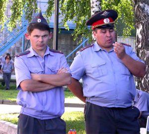 fat-russian-police-theginpalace.com_1