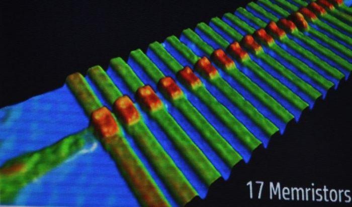 memristor-02