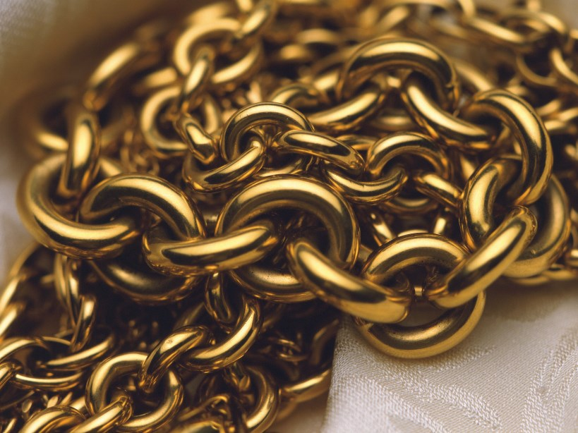 chain_gold_close-up_hd-wallpaper-77962