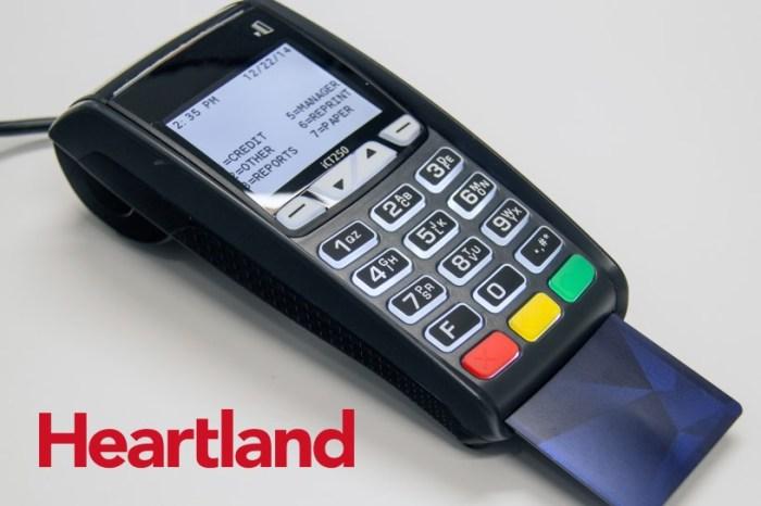 Heartland_terminal_2_with_card