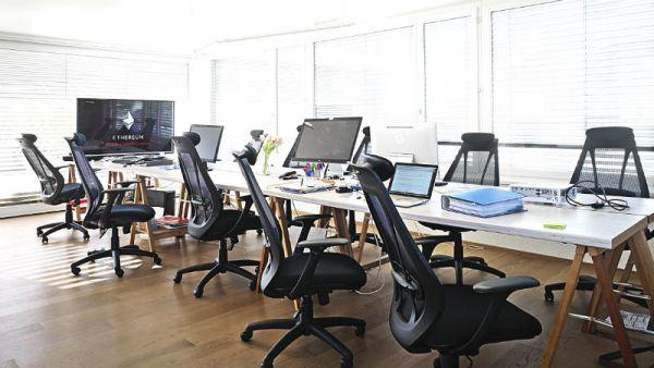 blockchain-arbeitsplätze-programmierer-petertillessen-8f0300c1