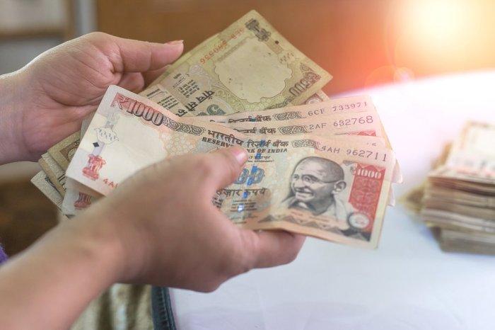 Индийцам грозит штраф и тюремное заключение за хранение старых банкнот