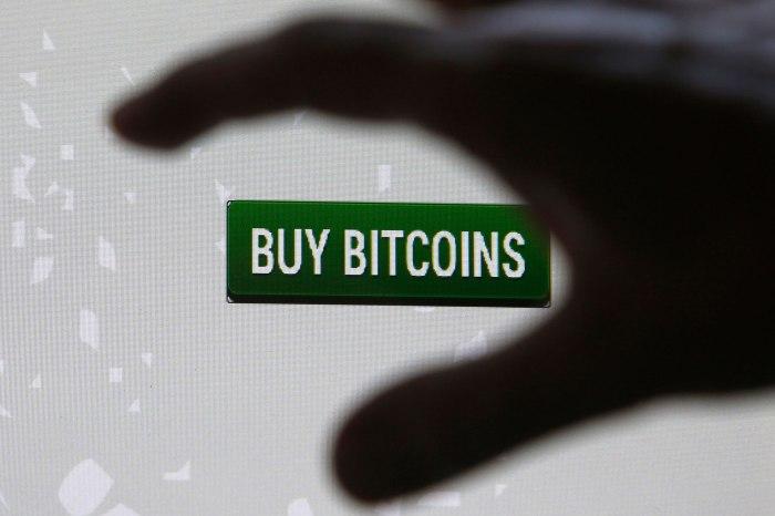 """""""Создатель"""" Биткойна и игорный магнат в погоне за блокчейн-патентами"""